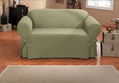 Smooth cotton slipcover in light green. Upholstery for home renovation. Home decor. Caber, Loveseat Slipcovers, Green Nature, Tub Chair, Home Renovation, Decoration, Evolution, Love Seat, Accent Chairs