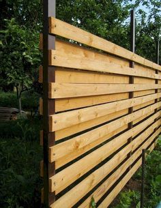 Want garden fence ideas with garden art ideas? These fence decorations are great ways to dress up your outdoor space. If you'd like specific ideas for privacy fences, I've got a collection of Marvelous Backyard Privacy Fence Decor Ideas on A Budget. Cheap Privacy Fence, Privacy Fence Designs, Backyard Privacy, Diy Fence, Fence Landscaping, Backyard Fences, Garden Fencing, Backyard Ideas, Cheap Fence Ideas