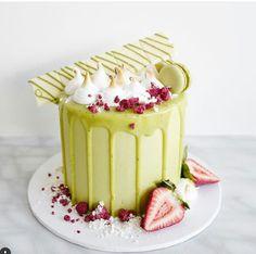 U Tea Cakes, Cupcake Cakes, Matcha Cake, Green Cake, Doughnut Cake, Blue Cakes, Drip Cakes, Cake Shop, Creative Cakes