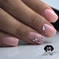 Nail art Christmas - the festive spirit on the nails. Over 70 creative ideas and tutorials - My Nails Gem Nails, Gelish Nails, Hair And Nails, Nail Nail, Rhinestone Nails, Bling Nails, Perfect Nails, Gorgeous Nails, Manicure Simple
