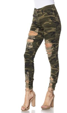 Affordable prices on new tops, dresses, outerwear and more. Ripped Jeggings, Ripped Knee Jeans, Distressed Skinny Jeans, Levis Jeans, High Waist Jeans, Denim Pants, Camouflage Jeans, Best Friend Outfits, Black Jeans Outfit