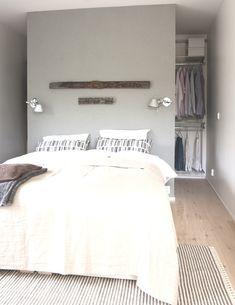 Best walk in closet behind bed home 26 ideas Wardrobe Behind Bed, Bedroom Wardrobe, Bedroom Bed, Master Bedroom, Bedroom Decor, Bedroom Closet Storage, Bed In Closet, Bedroom Closet Design, Closet Light Fixtures