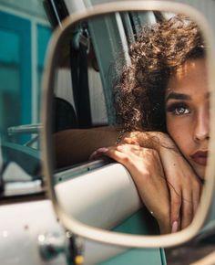creative photography General Photoshop Tips Beautiful Mirror Photography, Creative Portrait Photography, Framing Photography, Photoshop Photography, Photography Ideas, Girl Photography, Artistic Photography, Backlight Photography, Creative Self Portraits