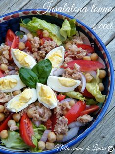 tuna and chickpea salad - in laura cuisine I Love Food, Good Food, Cold Dishes, Cooking Recipes, Healthy Recipes, Light Recipes, Lunches And Dinners, Food Inspiration, Italian Recipes