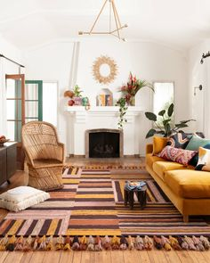 Espace Design, Eclectic Design, Eclectic Decor, Bohemian Interior Design, Interior Design Inspiration, Interior Design Living Room Warm, Colorful Interior Design, Eclectic Rugs, Eclectic Modern