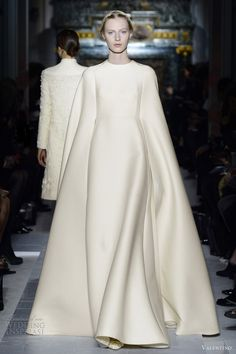 {Wool Bridal Cape Gown by Valentino Couture Spring Couture Mode, Couture Fashion, Runway Fashion, White Fashion, Love Fashion, Fashion Show, Fashion Design, Valentino Couture, Valentino Bridal