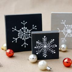 Homemade Christmas Decorations - Snowflake Blocks - The Graphics Fairy