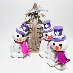 Sněhuláček pro radost. č.1376 Christmas Ornaments, Holiday Decor, Home Decor, Decoration Home, Room Decor, Christmas Jewelry, Christmas Baubles, Christmas Decorations, Interior Decorating