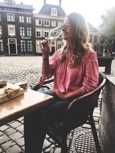 Hoorn city, doing my fav 🥂