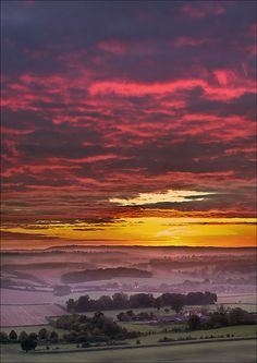 Vale of Pewsey, Wiltshire, UK by Phil Selby, via Flickr