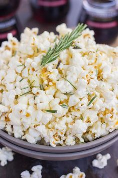 This Rosemary Garlic Popcorn is drizzled with a buttery mix filled with fresh rosemary and a hint of garlic. Simple, easy, and perfect for on-the-go…