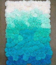 como fazer tapete de pompom degrade