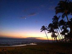 ♥ My trip to Maui, Hawaii! ♥    Beaches, sunsets, sailing canoe, Japanese food... I hope you enjoy these photos!     http://www.lacarmina.com/blog/2012/07/maui-hawaii-social-media-press-trip-wailea-beaches-lahaina-banyan-tree-hawaiian-sailing-canoe-sushi/