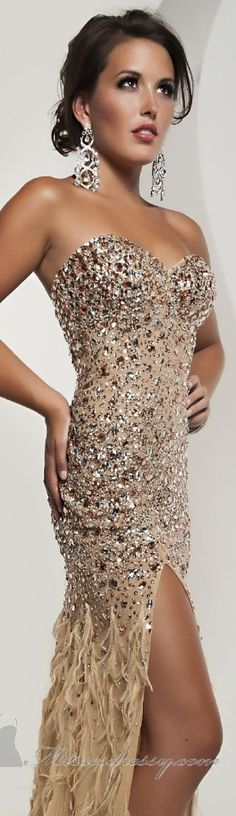 Strapless Sweetheart Gown... Doesn't hurt to dream!