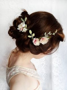 delicate floral hair wreath and updo. #BridalFantasy