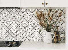 Modern Bathroom Tile, Bathroom Wall, Bathroom Ideas, Bathroom Marble, White Bathroom, White Kitchen Floor, Scallop Tiles, Kitchen Splashback Tiles, Fish Scale Tile