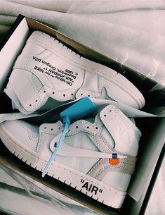 Jordan Shoes Girls, Girls Shoes, Swag Shoes, Cute Sneakers, Sneakers Nike, Air Force Sneakers, Nike Air Force, Vetement Fashion, Nike Air Shoes