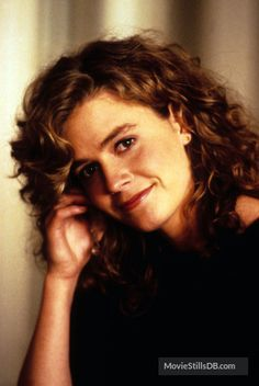 Elisabeth Shue - Cocktail (1988)(335×500) #hair #curls