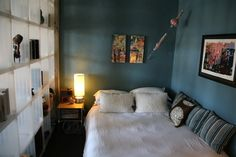 love the wall color, even in a small room