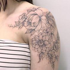 Beautiful flowery tattoo *_* #ILoveTattoos!