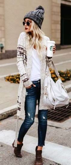 This Inspiring Spring Outfits Ideas for Young Mom 14 image is part from 40 Inspiring Spring Outfits Ideas for Young Mom gallery and article, click read it bellow to see high resolutions quality image and another awesome image ideas.