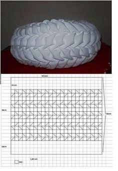 Sewing Pillow Patterns, Smocking Patterns, Sewing Pillows, Diy Pillows, Sewing Art, Sewing Crafts, Sewing Projects, Diy Crafts, Smocking Tutorial