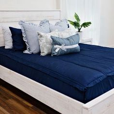 Nautical Navy is truly one of our most versatile Beddy's. It works with all other colors and styles, and for all ages and genders! It's no wonder it is always selling out. I mean, how great does it look with our Shabby Chic Bundle? 💙 #beddys #zipyourbed #zipperbeading  #adultbedding #fashionablebedding  #bedding #beddings #stylish #homedecor #homeinspo #homedecoration #bedroomdesign #bedroomgoals Chic Interior Design, Well Decor, Home Decor, Zipper Bedding, Shabby Chic Interiors, Bed, Bedroom Decor, Floral Bedroom Decor, Interior Design
