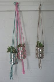 beachcomber: simple macrame diy Beach Crafts, Diy And Crafts, Crafts For Kids, Yarn Crafts, Paracord Projects, Macrame Projects, Garden Bunting, Diys, Rainy Day Crafts