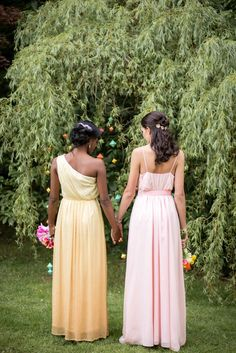 Lorax Inspired Wedding - http://fabyoubliss.com/2015/08/31/colorful-and-happy-lorax-inspired-wedding