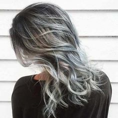 The Silver and Gray Hair Dye Trend: Do or Don't?