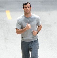 justin theroux from parks and recreation, the leftovers, and more stuff too. Justin Theroux, Plaid Pants, Parks And Recreation, Man Photo, Celebrity Photos, Jogging, Hollywood, Actors, Celebrities