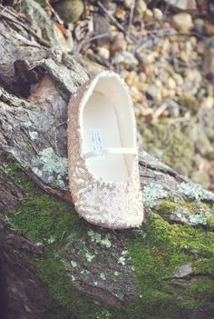 Arabella .... Romantic Rose Gold Sequined Flats. Prefect for any Special occasion!! i use a rubber, non-slip, waterproof flexible soles for Babies and Toddlers! All items purchased from Little Posh Bebe Boutique include complimentary gift packaging. Please note if you are sending as a gift so i can leave out the PayPal invoice. Little Posh Bebe Shoe Sizes Size........ Age(months)....... In Inches ..0................NB................... 3.5 ..1................0-3................... 4…