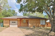 Great 3 bedroom home for lease approximately a mile north of Texas A&M!