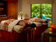 Disfrute todo el balance natural que su cuerpo necesita con ingredientes naturales, experimente tratamientos naturales, rituales de masajes, servicios de belleza y terapias faciales.