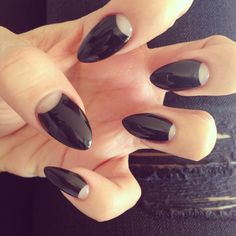 We have gathered the best nail art designs. Make sure to check them out. Half Moon Manicure, Moon Nails, Manicure And Pedicure, Best Nail Art Designs, Beautiful Nail Designs, Cute Nails, Pretty Nails, Nail Techniques, Black Nails