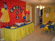 Snow White and the Seven Dwarfs Birthday Party food table decorations