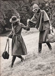 Ted Lapidus ELLE France - Sept 1 1975 Photographed by Dick Balarian Bags Online Shopping, Discount Shopping, Online Bags, Latest Handbags, Cute Handbags, Ted Lapidus, Vintage Boots, New Fashion Trends, Fashion History