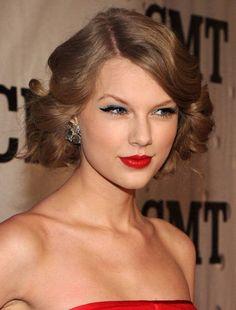 Look sensuale e cat eye per Taylor Swift - Tentazione Makeup - http://www.tentazionemakeup.it/2013/01/look-sensuale-e-cat-eye-per-taylor-swift/ #tutorial #howto #makeup #inspired #country #taylorswift