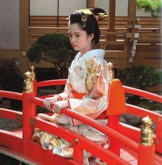 二階堂ふみ Japanese Characters, Historical Costume, Yukata, Japanese Kimono, Japanese Culture, Geisha, Asian Fashion, Traditional Outfits, Actresses