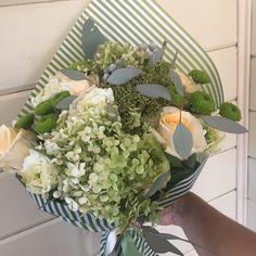 Доброго субботнего дня вам! #клевербукет #студияклевер #studiaklever #flowers #bouquet #букет #чулан