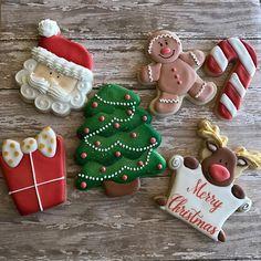 #kaylynncakes #cookies #customcookies #christmascookies #decoratedcookies #sugarcookies #santa #santacookies #merrychristmas