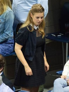Princess Beatrice Wore a Chic Camel Coat to Christmas Day Services with the Royals Bright Blue Dresses, Purple Gowns, Princess Beatrice, Princess Eugenie, Beatrice Eugenie, Kate Middleton Wedding, Spanish Royal Family, Prince William And Kate, How To Wear