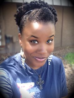 "Natural Hair ""Shoestring"" Puff"