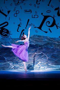 Lauren Cuthbertson as Alice in Alice's Adventures in Wonderland. Photo by Johan Persson. ♥ www.thewonderfulworldofdance.com