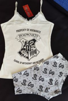 Lazy Day Outfits, Sporty Outfits, Girl Outfits, Cute Outfits, Fashion Outfits, Harry Potter Pyjamas, Harry Potter Outfits, Harry Potter Lingerie, Cute Pajama Sets
