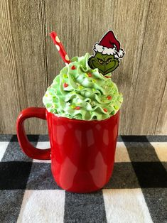 You're a mean one faux Whipped Cream Mug Topper. Each mug topper is handmade, painted with a hologram glitter paint and sprinkled with clay sprinkles. Mugs not included. Cricut Christmas Ideas, Christmas Topper, Candy Christmas Decorations, Grinch Stole Christmas, Christmas Candy, Halloween Decorations, Christmas Diy, Merry Christmas, Diy Whipped Cream