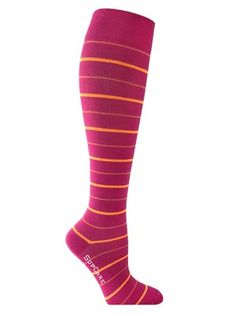Ihanan pehmeät bambuiset tukisukat hellivät jalkojasi! Nämä pinkit tukisukat eivät ole vain hauska asuste, vaan ne myös vilkastuttavat jalkojesi verenkiertoa ja vähentävät turvotusta.