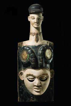 """Mask - Nigeria, Ibibio - - wood, kaolin, black paint, tha actual mask[...], mis en vente lors de la vente """"Art Tribal"""" à Zemanek-Münster   Auction.fr"""
