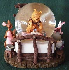 Winnie the Pooh  - Sitting on Roo's Bed Snowglobe