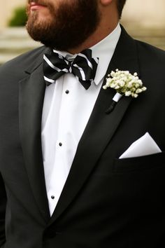Groom in Black and White Striped Bow Tie | Anna K. Photography on @fabyoubliss via @aislesociety